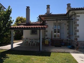 Villa Unifamiliar con gran jardin y 4 habitaciones en Haro