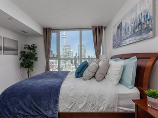 Premium 2-Bedroom with CN Tower & Lake Views
