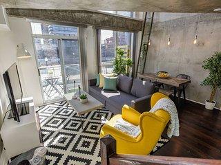 Sunlit Luxury Loft on King West