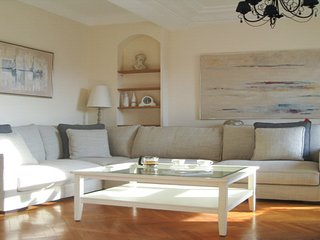 Appartement luxueux avec terrasse, dernier étage, magnifique vue, centre Nice