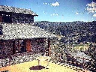 Bonita casa en La Molina, junto estación de squí, vistas,sol 6 pax muy acogedora