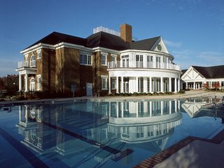 Williamsburg Plantation: 4-Bedrooms, 4 Baths, 2 Full Kitchens, Sleep 12