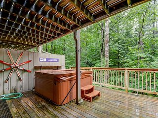 4BR Cranmore Birches- Cable, WiFi, Hot Tub on Deck! Near Storyland!