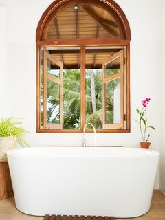 Master bathtub overlooking the garden.