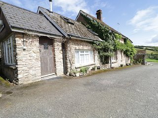 CREENAGH'S COTTAGE, dog-friendly, working farm, near Minehead