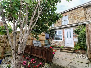 ALMA HOUSE 2, Dog Friendly, in Perranporth