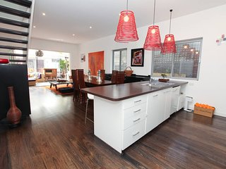 Beautiful North Bondi Family Home H415