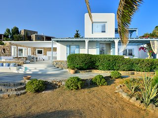 5***** infinite sea-view- 4 - bedrooms  luxury villa in ideal location