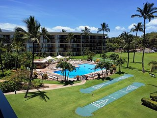 Great Rate!  Maui Sunset 518A Nicely done top floor with great ocean views!