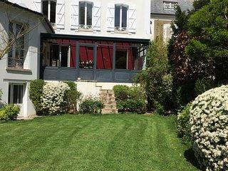 Maison Joussaume Latour/ Chambre d'hôtes La Cigale et La Fourmi
