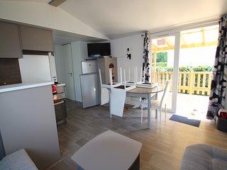 MH 4 chambres, clim, tv, terrasse  DERN DISPO S35