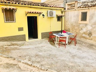 Noto Sicily, Lemon Tree Cottage