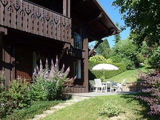 Chalet de Vantaa - 5 Bedroom Chalet Close to Village Centre and Lifts