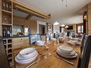 Wonderful Chalet 4 bedrooms in ski in ski out