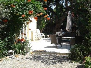 coquet logement avec terrasse jardin parking