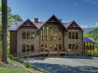 Mountain View Lodge ( 9 Bedroom Home )