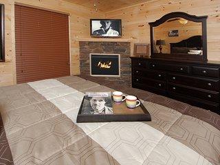 Smoky's Summit ( 4 Bedroom Home )