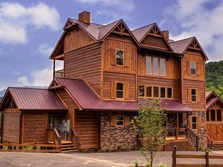 Rocky Top Lodge ( 9 Bedroom Home )