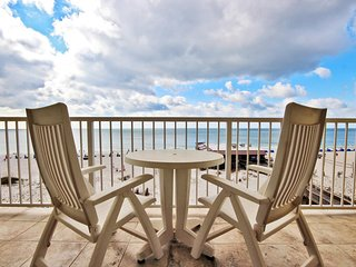Boardwalk 485-Looking for some Beach Therapy? We have what the Doctor Ordered