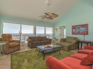 SeaRae - 7 Nts for the price of 5 in July!  Pet Friendly, Gulf Front House w
