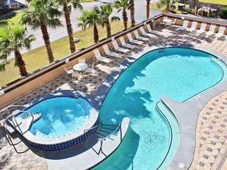 Crystal Tower 306-Blue Skies and Tan Lines ~Reserve Your Beach Trip