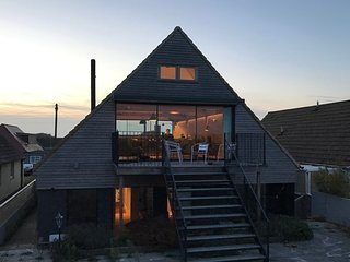 Gorgeous beach house near Dungeness