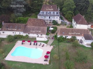 Domaine Lavie - 4 delightful holiday cottages with a large shared swimming pool