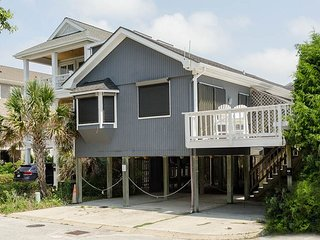 Duplex conveniently located to the beach and center of Wrightsville Beach!