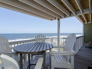 Upscale 3 bedroom oceanfront condo in Ocean Dunes Resort with elevator