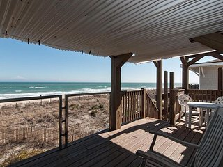 Affordable top floor oceanfront unit with amazing views