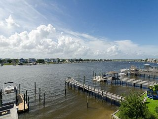 Gorgeous sound front condo with boat slip and fantastic views!