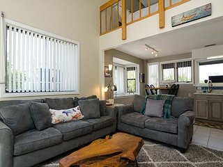 Updated apartment located in the center of Wrightsville Beach