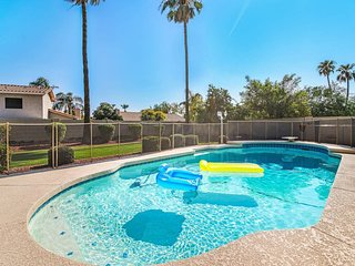 Scottsdale House GREAT POOL ★ 5 BD ★ Sleeps 19!