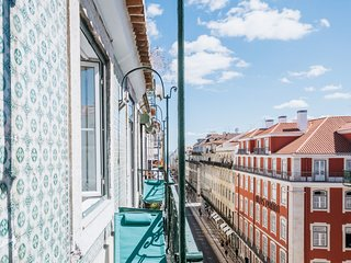 3 Bedroom Apartment in Baixa with River and Praca da Figueira View