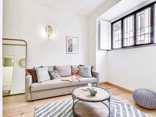 Cool and central Apartment near Marquês do Pombal