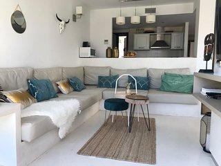 CAN HAVA villa Cala Tarida met uitzicht op zee