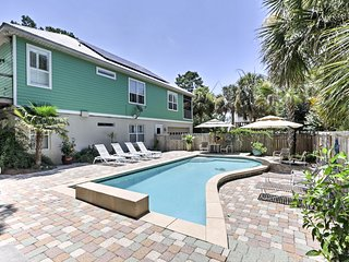 NEW-Santa Rosa Beach House w/Heated Saltwater Pool