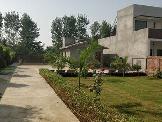 farm stay just 15 minutes from golden temple.