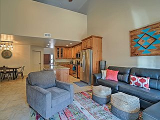 Moab Townhome w/Hot Tub & Patio - Near Arches