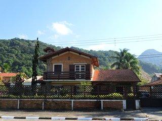 Casa frente ao mar na Praia da Cocanha em Caraguatatuba