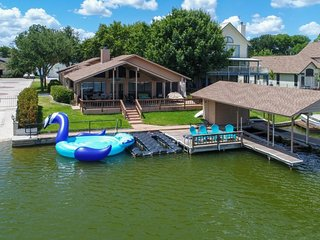 NEW LISTING! Lakefront home on cove with beautiful views & private dock!