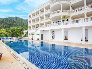 Phuket Holiday Apartment 8811