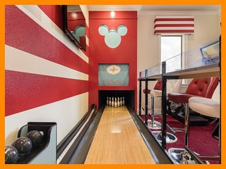 Reunion Resort 9500 - villa with bowling alley, pool and amazing themed bedrooms