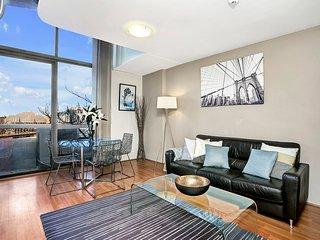 SX504 - Lovely Loft Style One Bedroom in CBD
