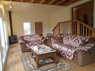 Tranqil/Private Retreat w/Trail to Overlook/Mtn Views off I25