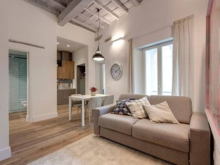 Il Moro apartment in Santa Maria Novella with WiFi & air conditioning.