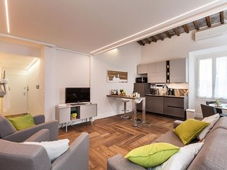 Dei Neri apartment in Duomo with WiFi & air conditioning.