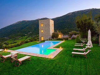 Luxury villa Tosa