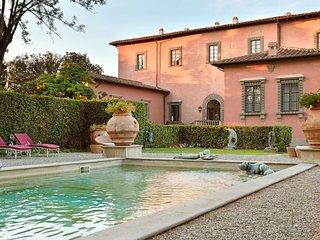 Luxury villa Machiavelli