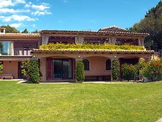 villa emeralda